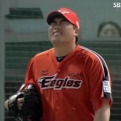 류현진 인생짤 좌절 빡침 한화 투수 야구 경기 깊은