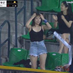 야구장 응원녀 야구 경기장 두산 춤 응원 예쁜 여자 귀여운 두산녀